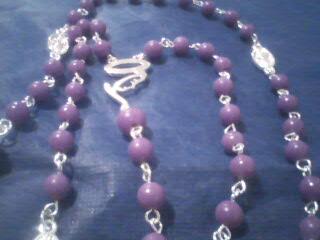 19b2c869bcf4 Recuerdos económicos rosarios Lazos de boda y Bisuteria